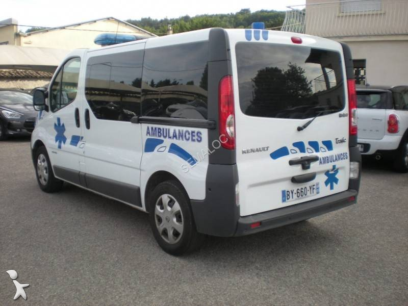 ambulance occasion renault trafic l2h1 2 5l dci 150 cv annonce n 2088663. Black Bedroom Furniture Sets. Home Design Ideas