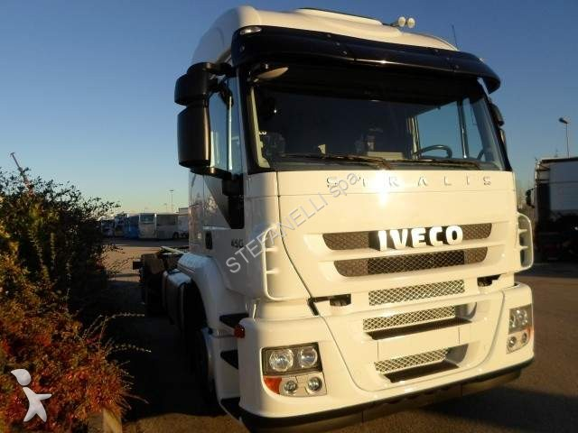 fourgon utilitaire iveco occasion n 2259958. Black Bedroom Furniture Sets. Home Design Ideas