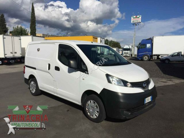 fourgon utilitaire nissan nv200 1 5 dci furgone occasion n 2357443. Black Bedroom Furniture Sets. Home Design Ideas