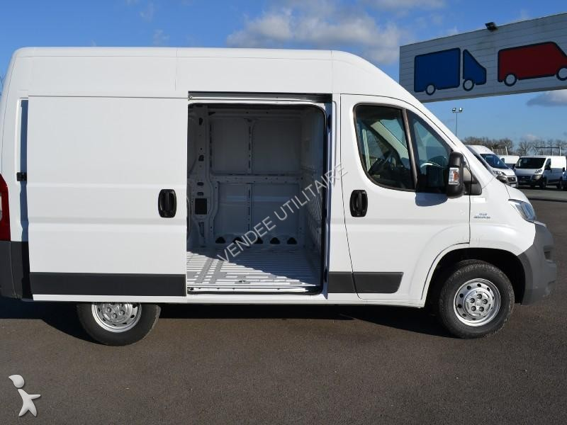 fourgon utilitaire fiat ducato fg 3 0 ch2 2 0 multijet 16v 115ch pack professional occasion n. Black Bedroom Furniture Sets. Home Design Ideas