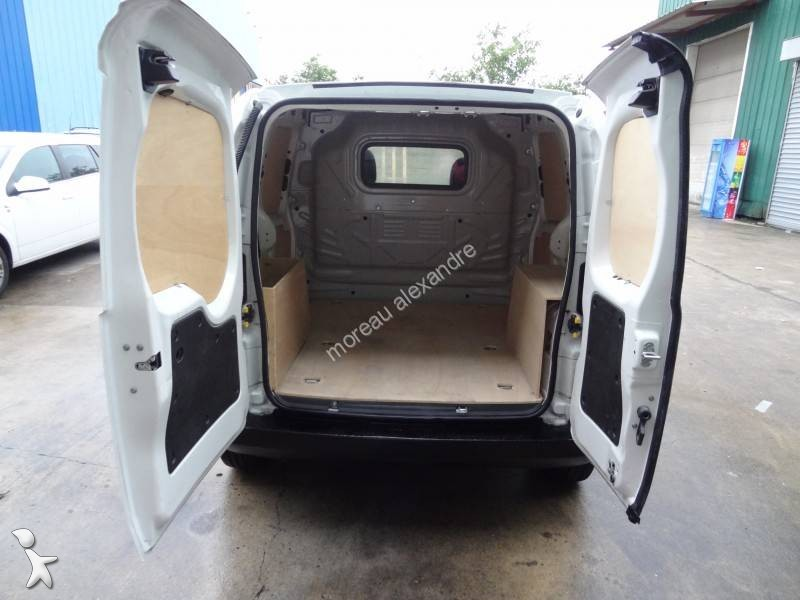fourgon utilitaire occasion peugeot bipper 1 3 hdi 75 cv