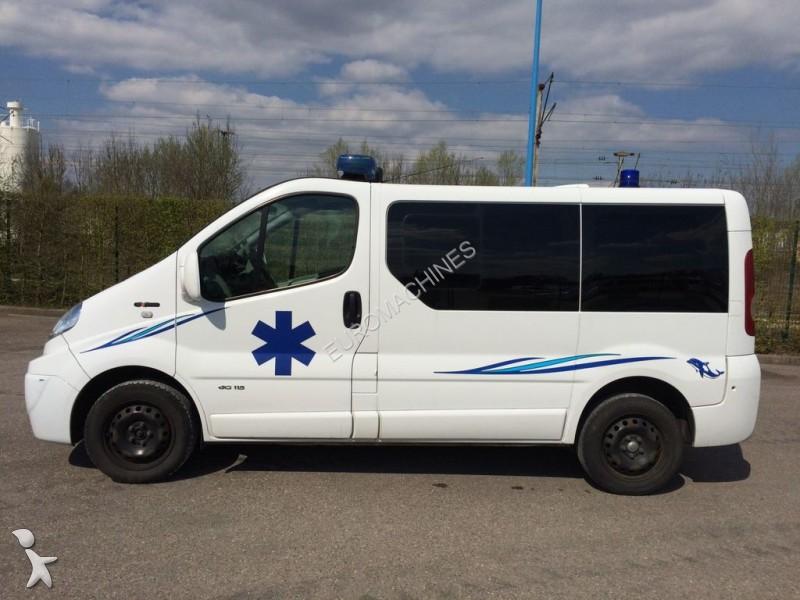 ambulance renault trafic l1h1 115 cv 2 0 dci 2010 occasion n 1715044. Black Bedroom Furniture Sets. Home Design Ideas