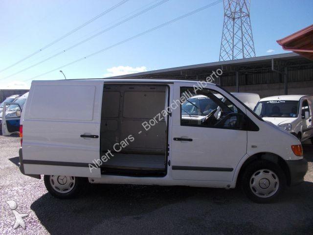 fourgon utilitaire mercedes vito furgone con porta. Black Bedroom Furniture Sets. Home Design Ideas