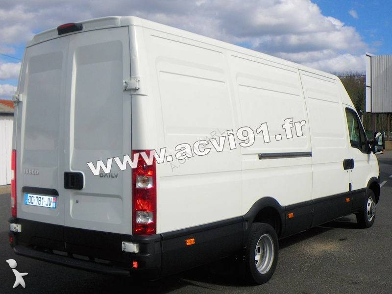 fourgon utilitaire occasion iveco daily 35c13v15 gazoil annonce n 1962731. Black Bedroom Furniture Sets. Home Design Ideas