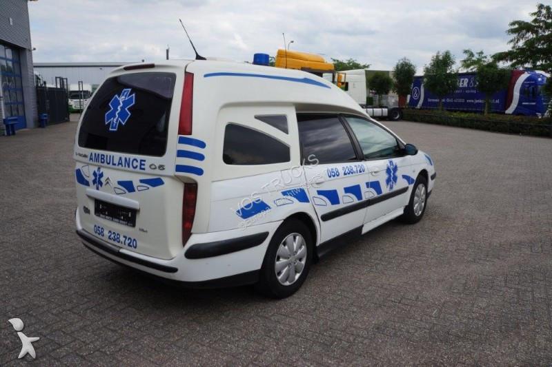 ambulance citro n c5 ambulance manual 2003 gazoil occasion n 2143254. Black Bedroom Furniture Sets. Home Design Ideas