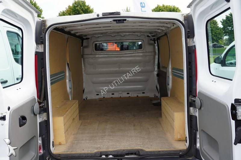 cargo van used renault trafic l2h1 2 0l dci 90 cv ad n 2244822. Black Bedroom Furniture Sets. Home Design Ideas