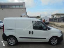 Voir les photos Véhicule utilitaire Fiat doblo\' NEW 1.3 M-JET FURGONE 3 POSTI
