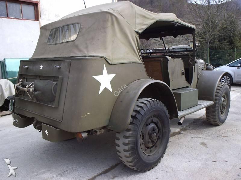 voiture dodge 4x4 suv command car occasion n 504402. Black Bedroom Furniture Sets. Home Design Ideas