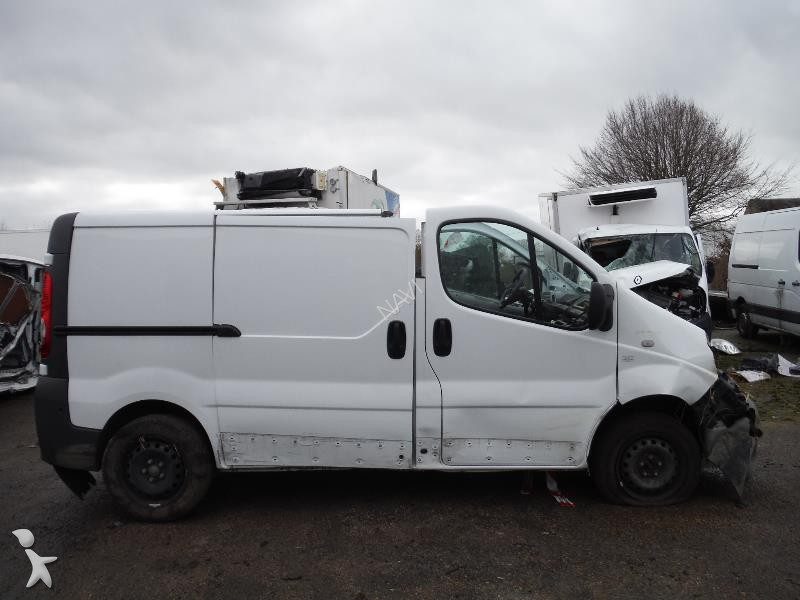 fourgon utilitaire renault trafic 2 0 dci 90 cv l1h1