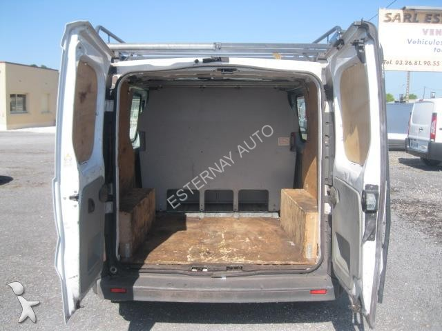 fourgon utilitaire renault trafic renault trafic l1h1 dci 6 places occasionmasculinsingulier n. Black Bedroom Furniture Sets. Home Design Ideas