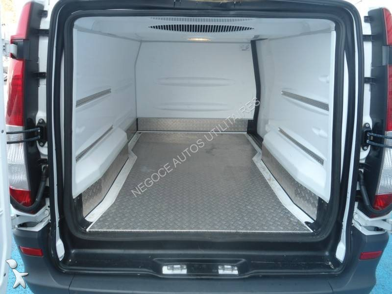 utilitaire frigo caisse positive occasion mercedes vito 113 cdi gazoil annonce n 1624632. Black Bedroom Furniture Sets. Home Design Ideas