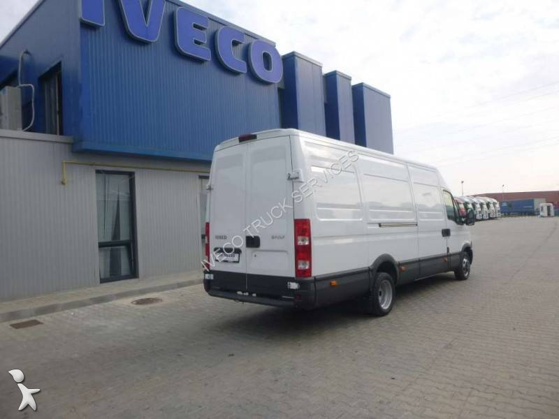 fourgon utilitaire iveco daily 35c13v occasion n 1770361. Black Bedroom Furniture Sets. Home Design Ideas