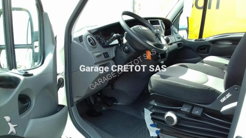 Fourgon utilitaire iveco daily 35s13 4x2 occasion n 1938442 for Garage julien pizancon occasion