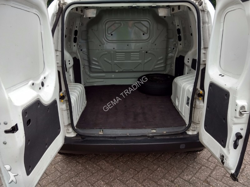 fourgon utilitaire peugeot bipper 1 4 hdi occasion n 2130029. Black Bedroom Furniture Sets. Home Design Ideas