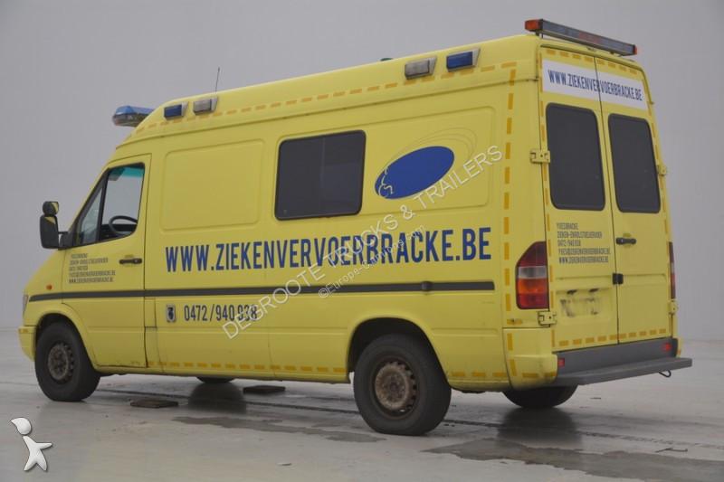 ambulance mercedes sprinter ambulance 4x2 gazoil occasion n 2213942. Black Bedroom Furniture Sets. Home Design Ideas