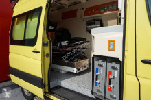 Voir les photos Véhicule utilitaire Mercedes 300-serie 313 CDI Ambulance, 2010 sprinter