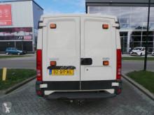 Voir les photos Véhicule utilitaire Iveco 35 S 10 DC L1H1 6 persoons