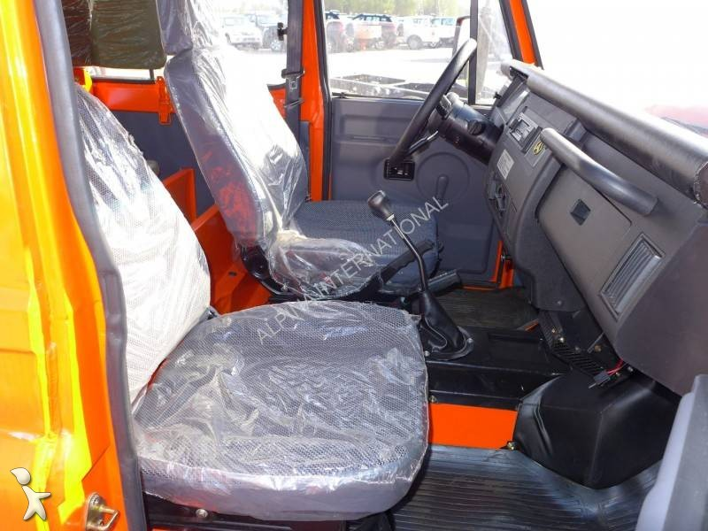 voiture 4x4 suv neuve toyota land cruiser essence annonce n 1694832. Black Bedroom Furniture Sets. Home Design Ideas
