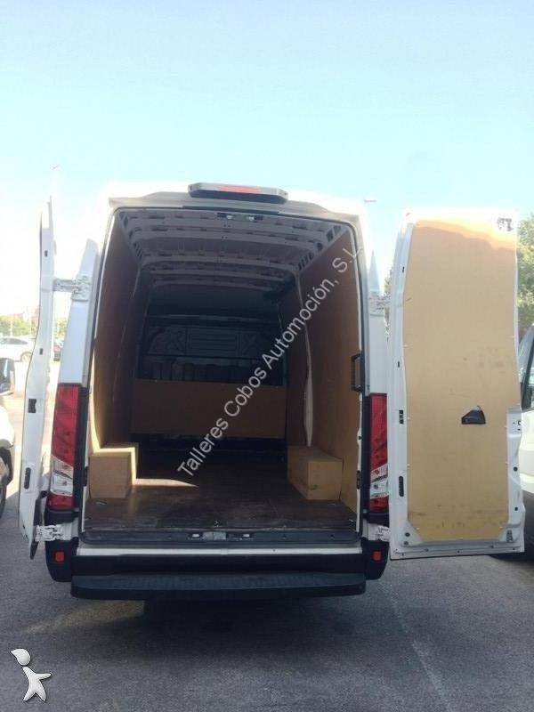 v hicule de soci t iveco daily 35s13 4x2 occasion n 2112343. Black Bedroom Furniture Sets. Home Design Ideas