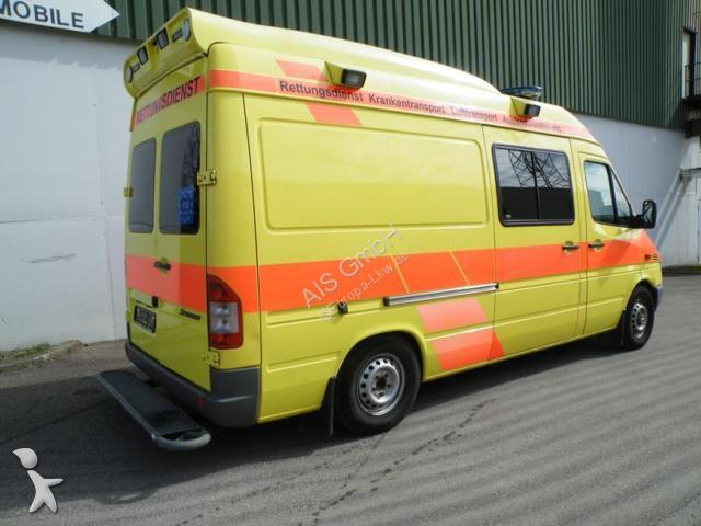 ambulance mercedes sprinter 316 cdi rettungswagen ambulance klima occasion n 2206971. Black Bedroom Furniture Sets. Home Design Ideas