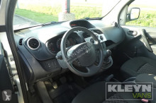 Voir les photos Véhicule utilitaire Renault 1.5 DCI AC metallic, airco, 105