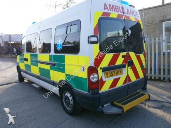 ambulance renault master occasion n 1095482. Black Bedroom Furniture Sets. Home Design Ideas
