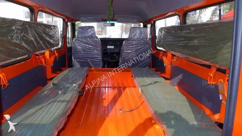 voiture 4x4 suv neuve toyota land cruiser annonce n 1694832. Black Bedroom Furniture Sets. Home Design Ideas