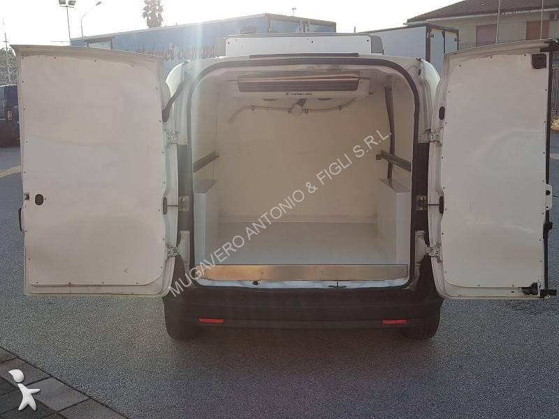utilitaire frigo fiat isotherme doblo cargo 1 6 mjt. Black Bedroom Furniture Sets. Home Design Ideas