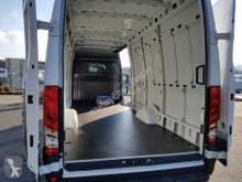 Voir les photos Véhicule utilitaire Iveco Daily 35 S 16+HI-MATIC+DAB+SCHWING+PDC+ BT+USB