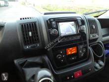 Voir les photos Véhicule utilitaire Peugeot 330 2.0 HDI clima navi 153 dkm