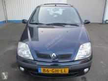 Voir les photos Véhicule utilitaire Renault 2.0 RXI 16V , Airco
