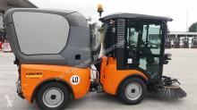 Voir les photos Véhicule utilitaire nc Kärcher MC 130 Kehrmaschine