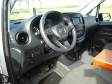 Se fotoene Varevogn Mercedes 114 CDI ac automaat laadklep