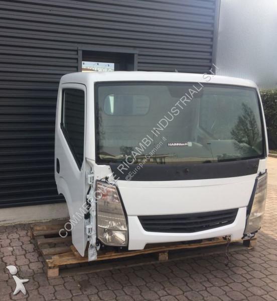 Ricambio per autocarri Nissan Cabine  pour camion  CABSTAR