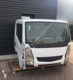 kabina Nissan