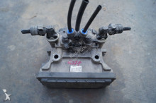 запчасти для грузовика Renault Premium Modulateur EBS / Magnum DXI EEV pour tracteur routier KNORR-BREMSE K020022