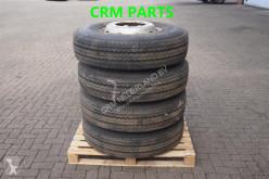 Kumho Tyre 11R22.5 4xband met velg (95%)