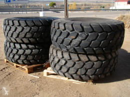 roue / pneu Bridgestone