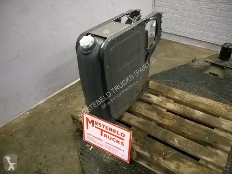 Voir les photos Pièces détachées PL Renault Réservoir AdBlue  pour camion