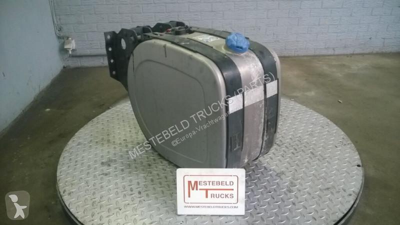Voir les photos Pièces détachées PL Volvo Réservoir AdBlue pour camion