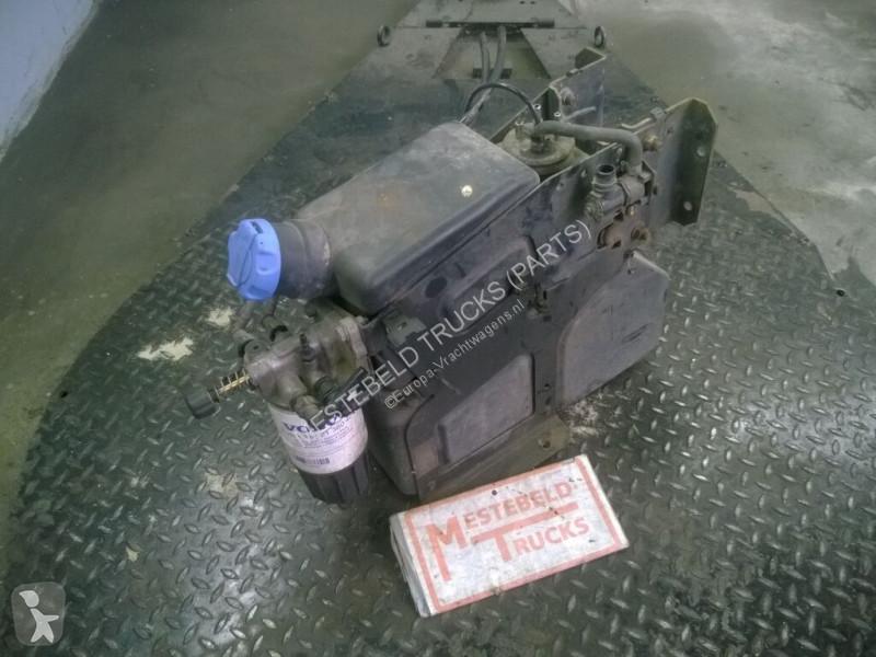 Voir les photos Pièces détachées PL Volvo Réservoir AdBlue  AdBlue reservoir pour camion  FL240