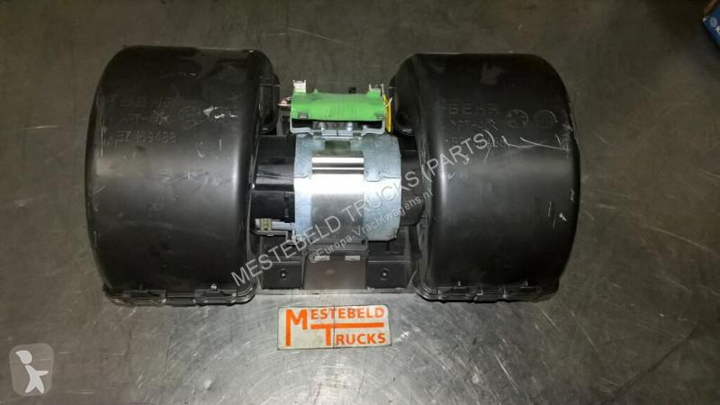 Voir les photos Pièces détachées PL DAF Moteur de ventilateur  Ventilatormotor kachel pour camion   210