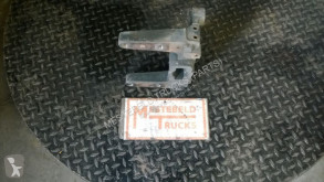 Peças pesados Deutz Fixations pour tracteur routier Steun chassisbalk rechts