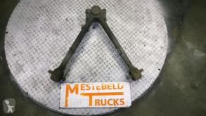 ricambio per autocarri Volvo Demi-essieu Reactie driehoek pour tracteur routier FM9