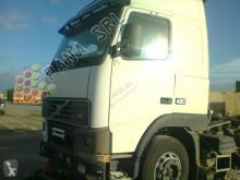 véhicule pour pièces Volvo