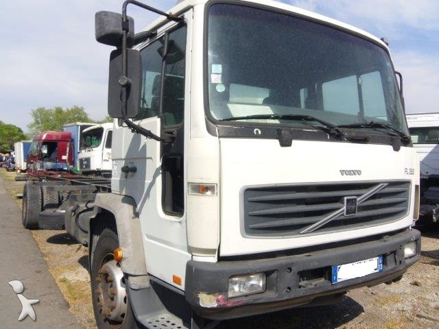 View images Volvo FL6 truck part