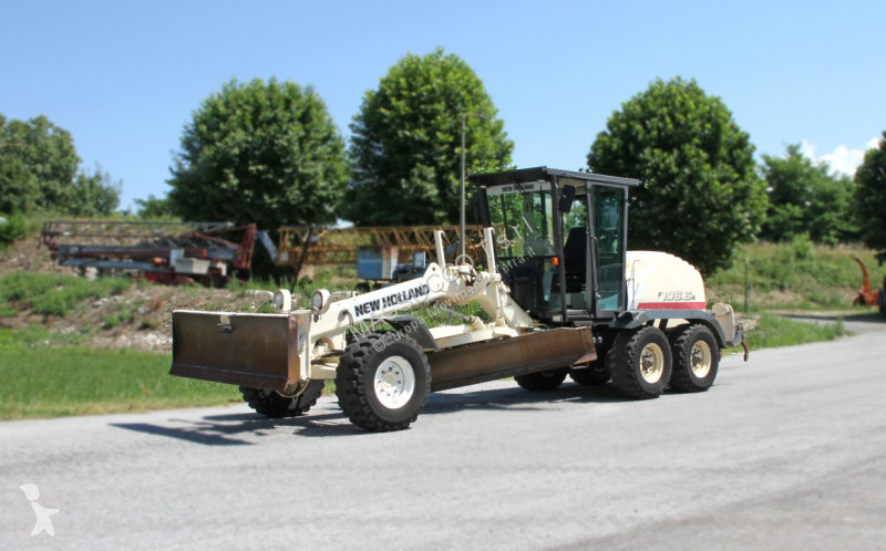 Voir les photos Bulldozer New Holland F106.6 A - 6X6