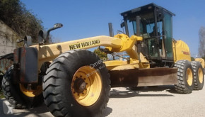 niveleuse New Holland 156.6