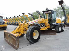 niveleuse New Holland F156.6A