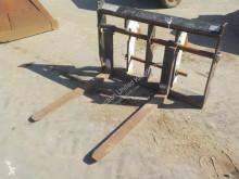 JCB forks handling part